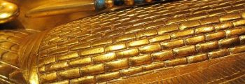 1323 BCE: Tutankhamun buried with his mask